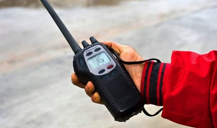 handheld-vhf-radio-review