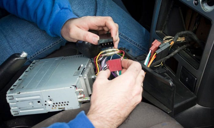 how much does it cost to install a car radio
